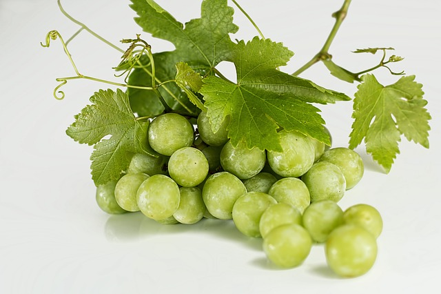 Green grapes are found in every supermarket.
